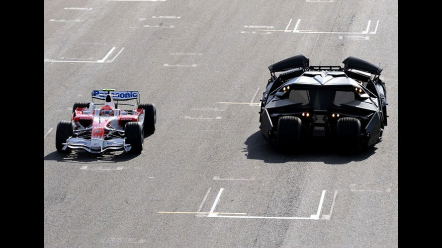 Batmobile vs Toyota F1