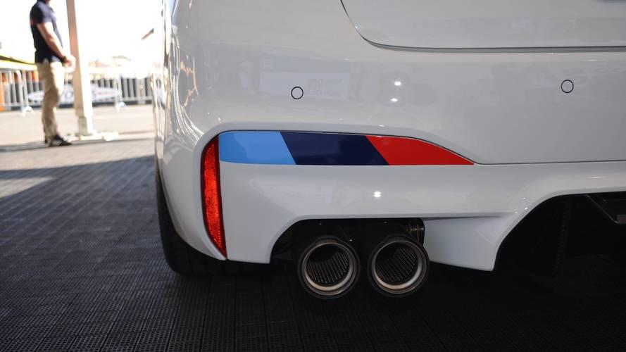 Yeni BMW M5'in M Performance egzozu kulağa hırçın geliyor
