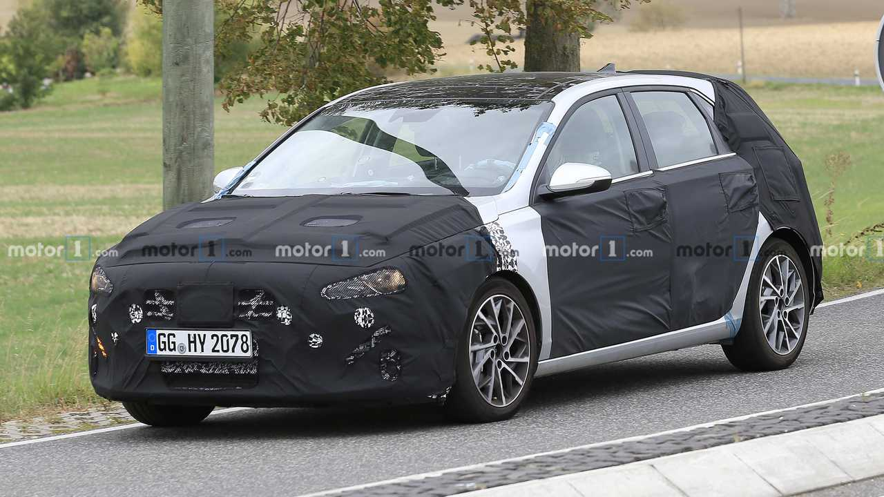 Hyundai i30 Spy Photo