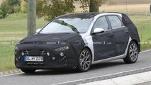 hyundai i30 spied tight clothes