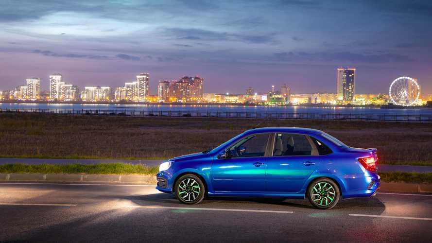 Lada Granta продается в Европе лучше Audi A3?