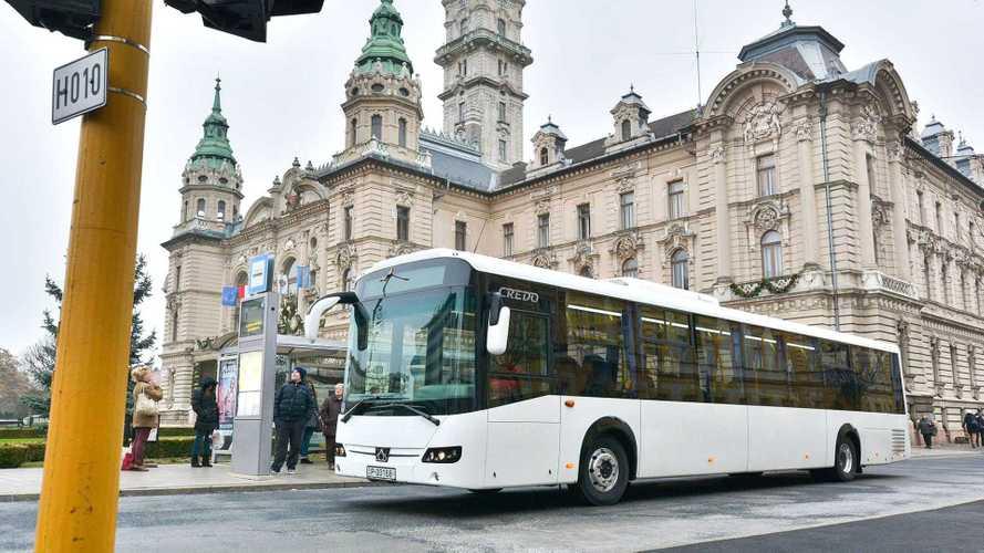 Húszmilliárd forintért vásárol 352 új buszt a Volánbusz
