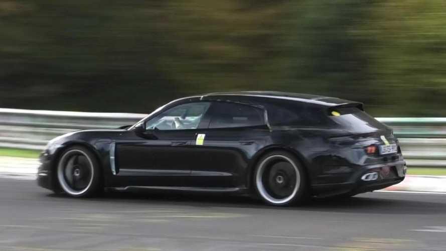 Videó: tempósan körözget a Porsche Taycan Cross Turismo a Nürburgringen
