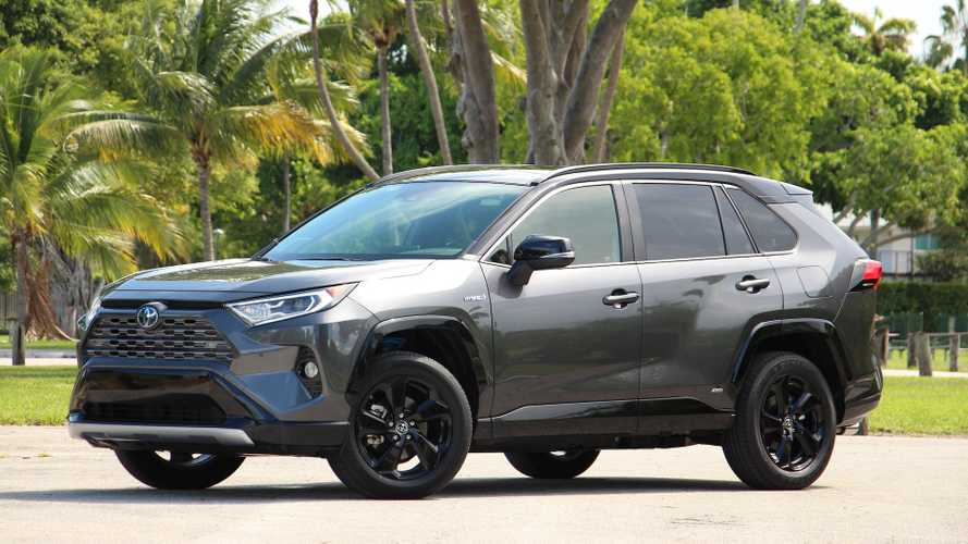 2019 Toyota RAV4 XSE Hybrid: Pros And Cons