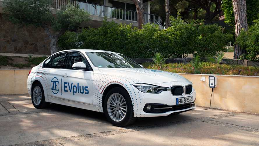 Carro-conceito híbrido ZF EVplus tem autonomia elétrica de 100 km