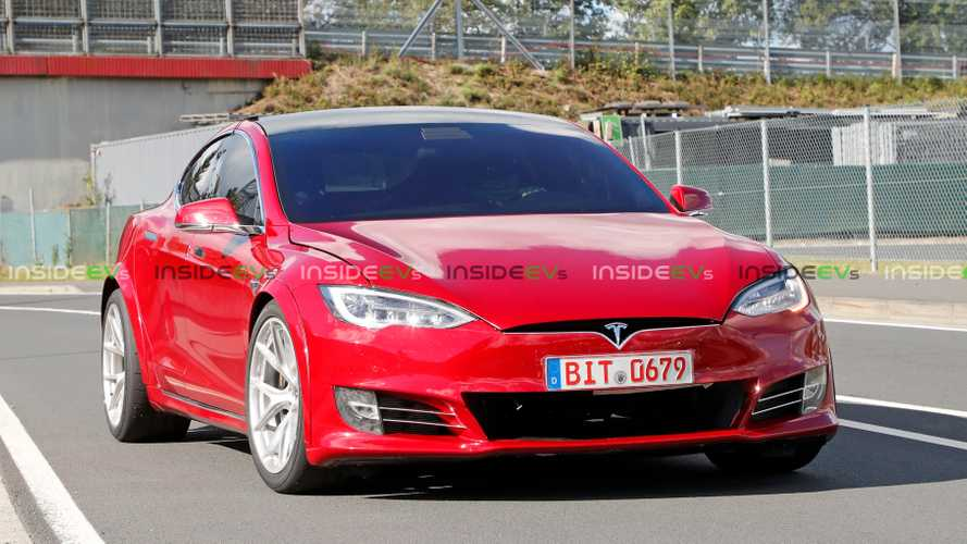 Skilled Nurburgring Pro Spotted Driving Tesla Model S P100D+ Plaid