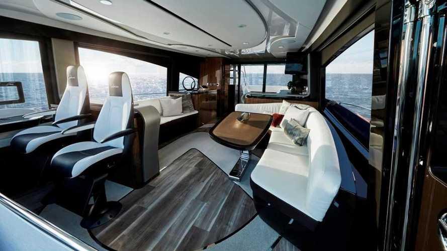 Яхта Lexus LY 650: серийный образец