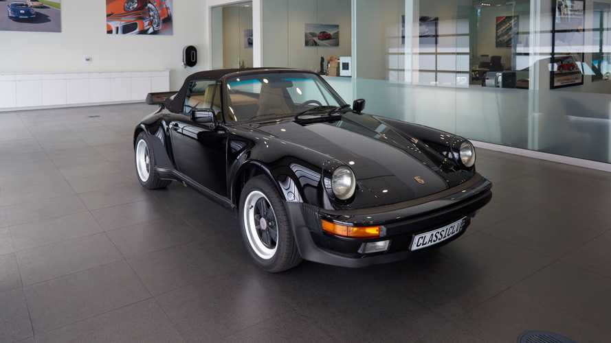 Strut In A 1985 Porsche 911 Cabriolet Turbo Look
