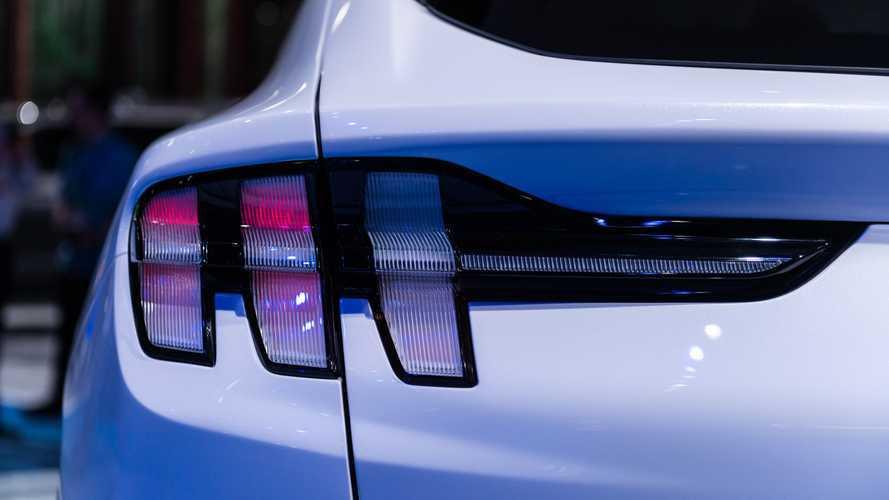 40% американцев предпочли электрический Mustang «Тесле»