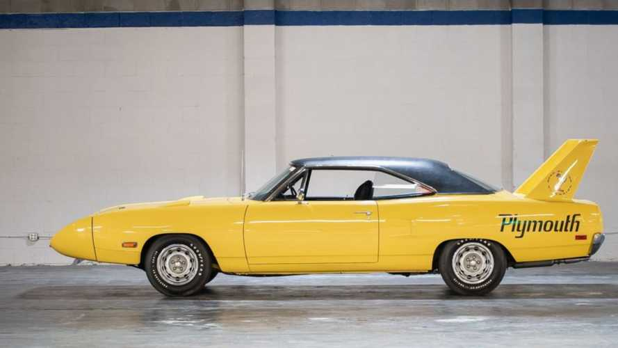 Fully-Documented 1970 Superbird 440 Six-Pack Has A Lemon Twist
