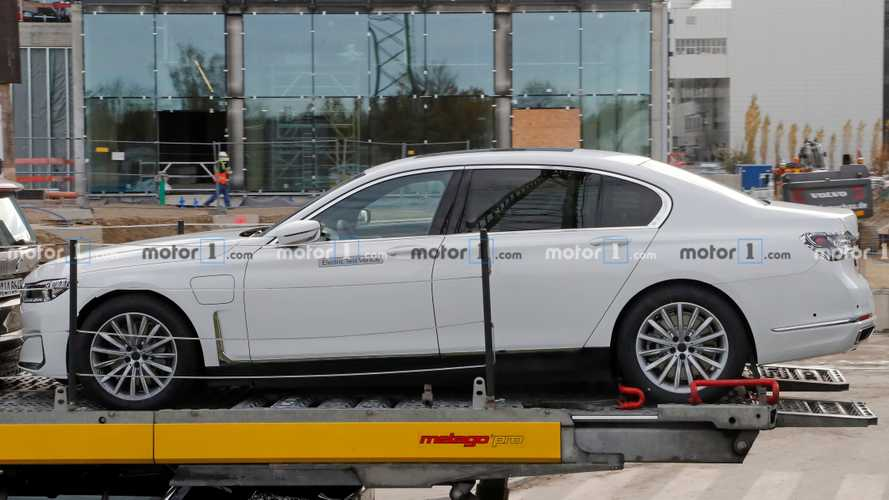 BMW i7 spy photo