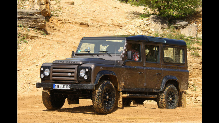 Land Rover Defender 110 Station Wagon in der Rough-Version im Test
