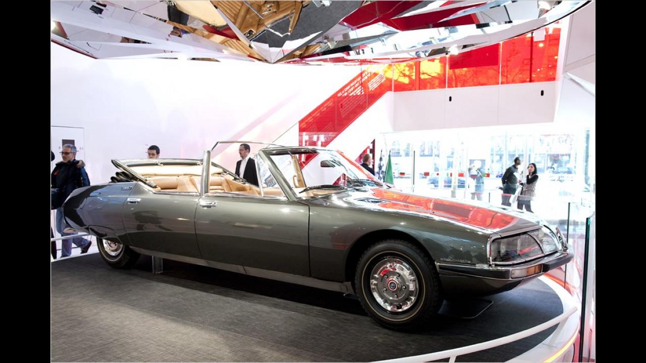Der Citroën SM Présidentielle in Nahaufnahme. 1972 fertigte der Pariser Karossier Henri Chapron zwei Exemplare des viertürigen Cabrios für den französischen Staat an. Benutzt wurden sie von Mitterand und Chirac.