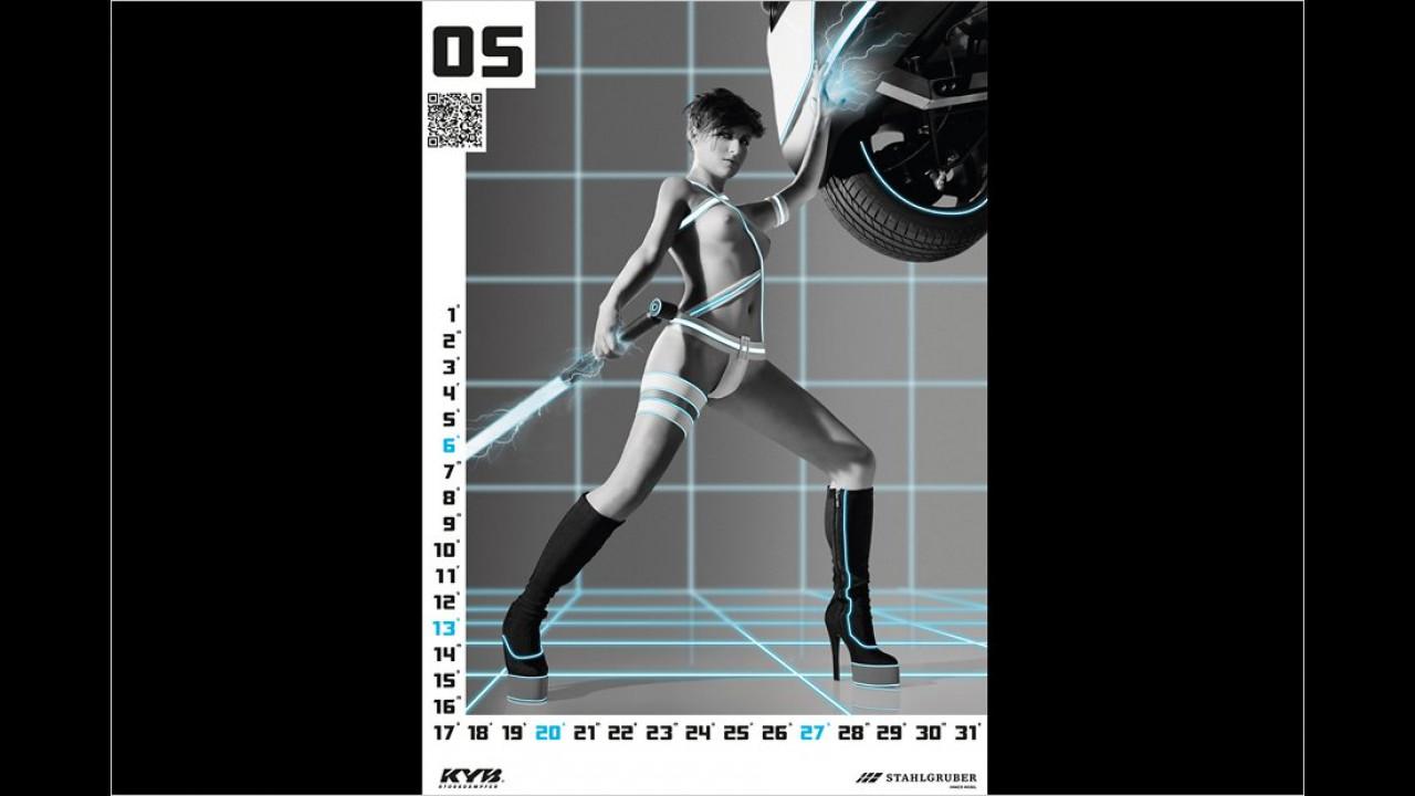 Vielleicht sieht der TÜV-Prüfer der Zukunft ja aus wie unser Mai-Girl. Schön wäre es auf jeden Fall