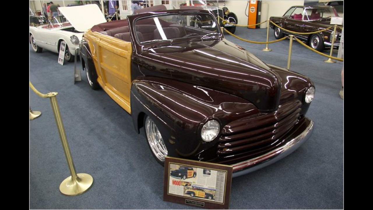 1947 Ford Custom Sportsman Woody Convertible