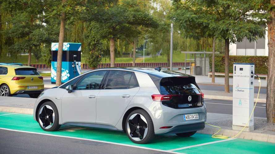Volkswagen ID.3 con Waze per la ricerca delle colonnine