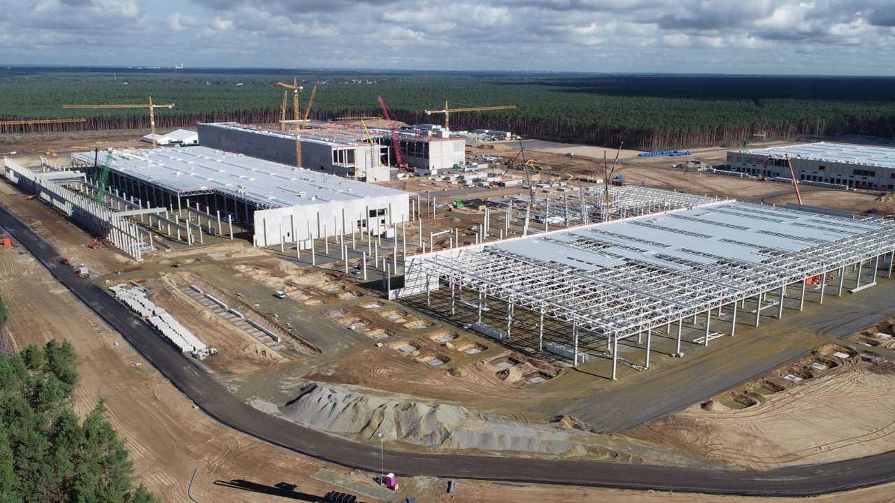 Tesla Giga Berlin (Gigafactory 4) - Construção de fábrica Modelo Y Outubro, 2020