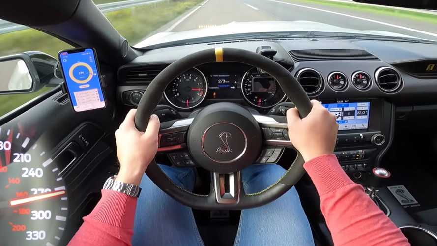 Ford Mustang Shelby GT350 Going Flat Out On Autobahn Sounds Incredible