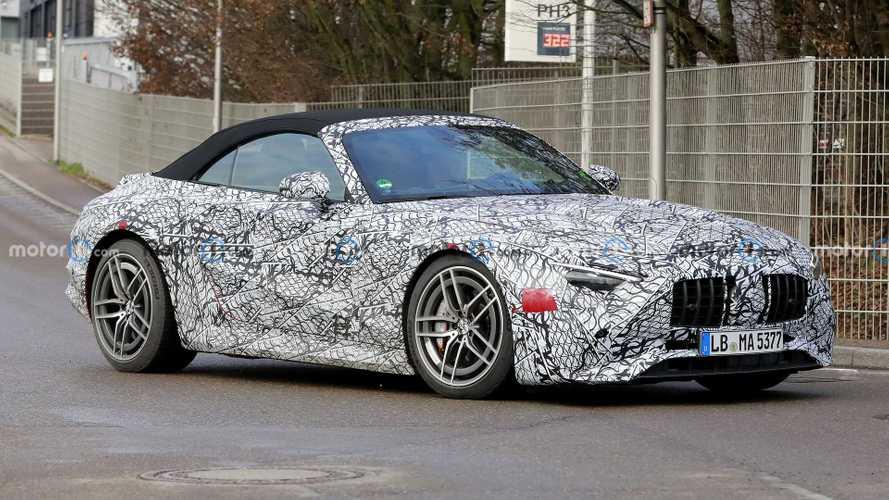 El Mercedes-Benz SL 2022 aparece de nuevo, con algo menos de camuflaje