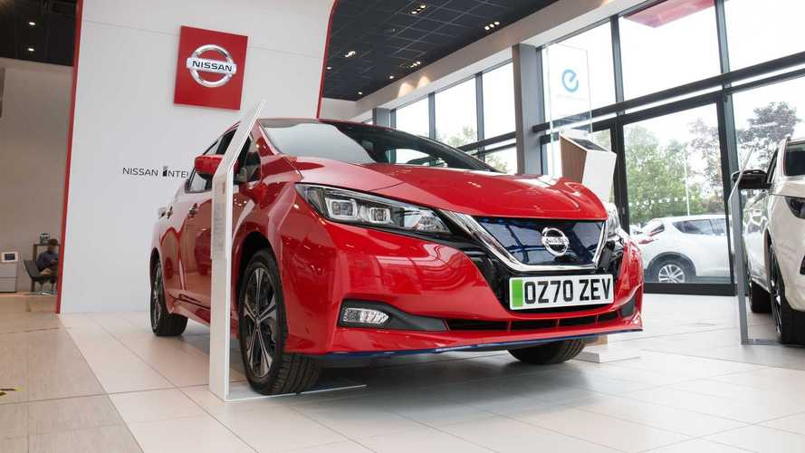 Oficial: Reino Unido proíbe vendas de carros a gasolina e diesel a partir de 2030