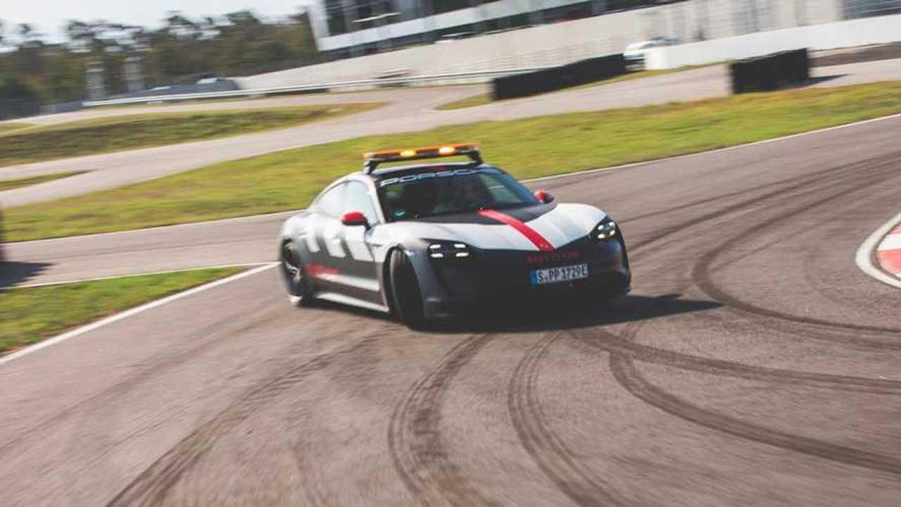 Porsche taycan Safety Car