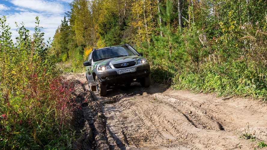 UAZ Hunter Expedition vs. Lada Niva Off-Road