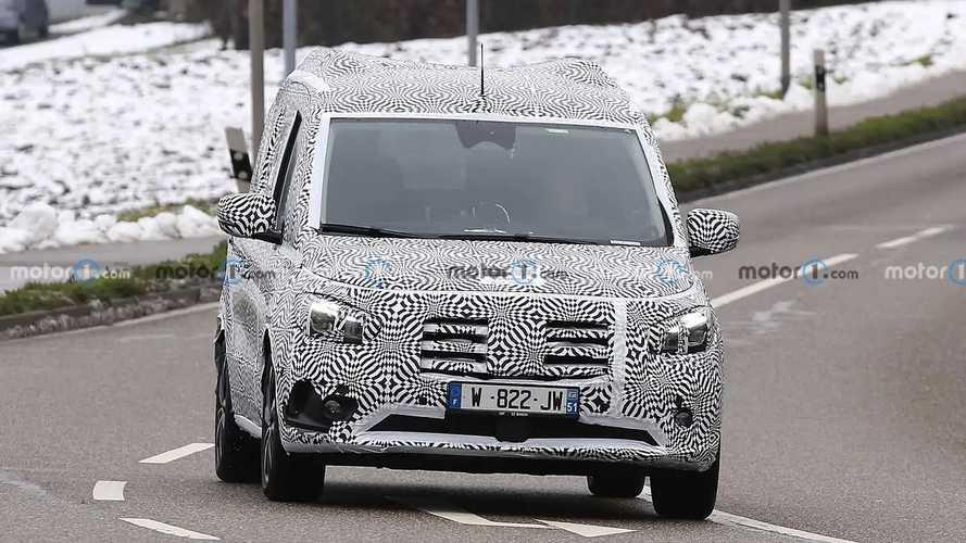 Mercedes-Benz Classe T, le nuove foto spia