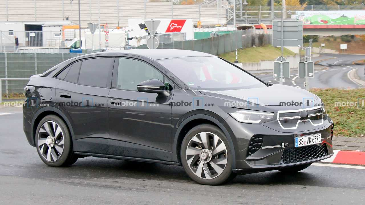 VW ID.5 first spy photo (front three-quarters)