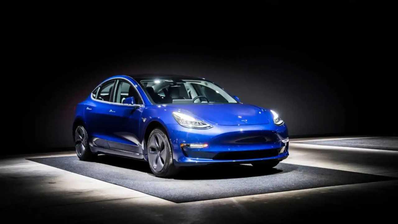 Tesla Model 3 Üretim Raporu; Haftada 1000'den Fazla Ama Hedeflerin Çok Gerisinde