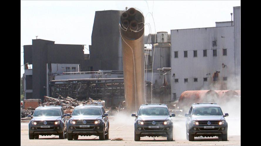 Vier Pick-Ups nieten Stahlgiganten um