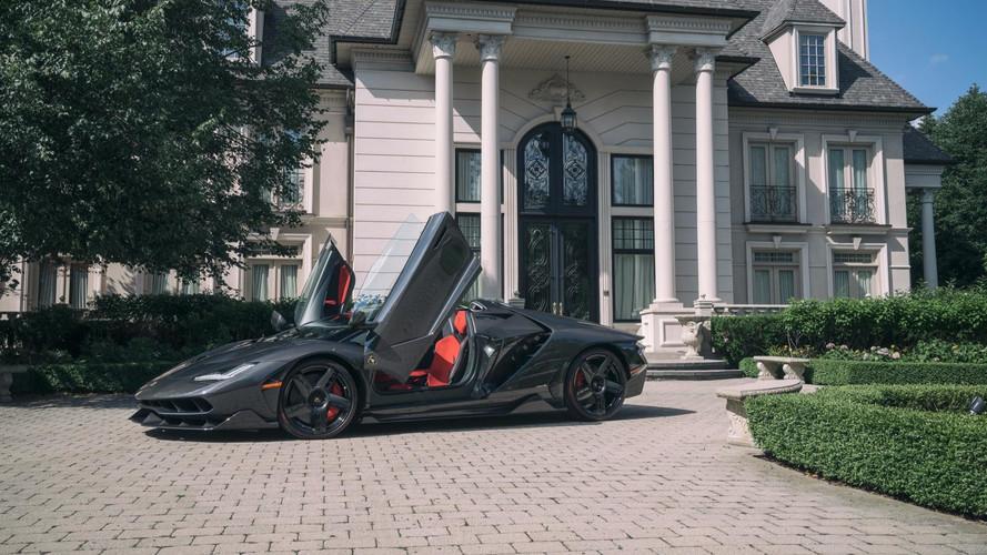 PHOTOS – Une Lamborghini Centenario Roadster accoste au Canada