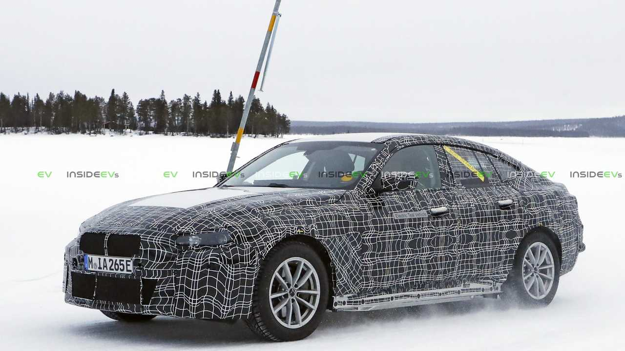 BMW i4 Casus Fotoğraflar