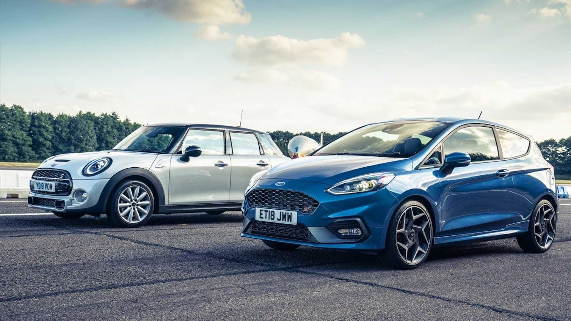 Mini Cooper S Drag Races Ford Fiesta St With Obvious Results