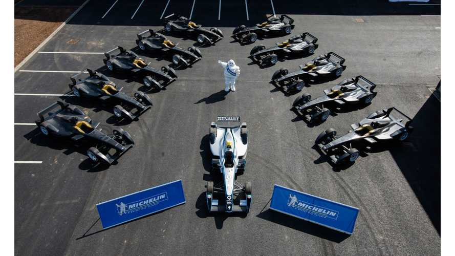 Formula E Teams Receive First Delivery Of Racers - Video