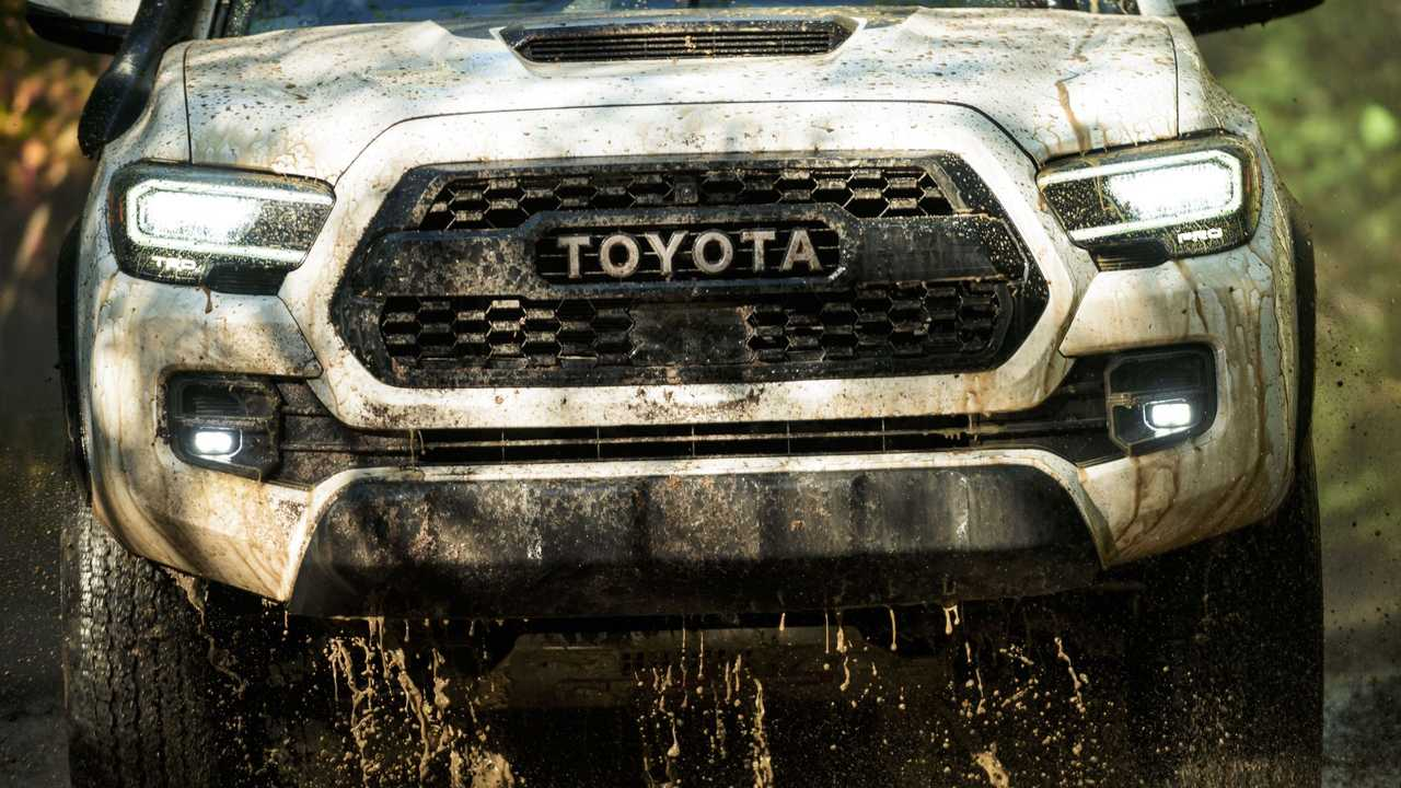 Best Headlamps 2020 2020 Toyota Tacoma Shows Off Subtle Facelift In Chicago [UPDATE]