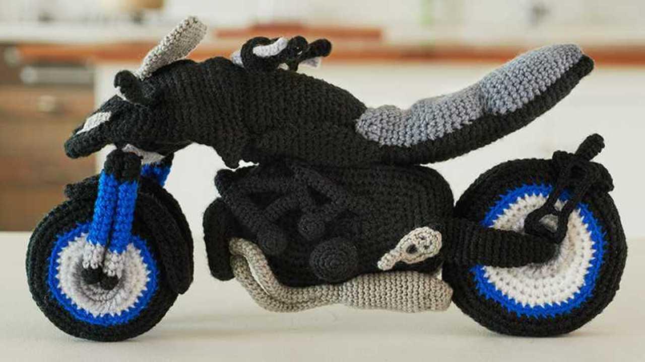 Knitted Niken