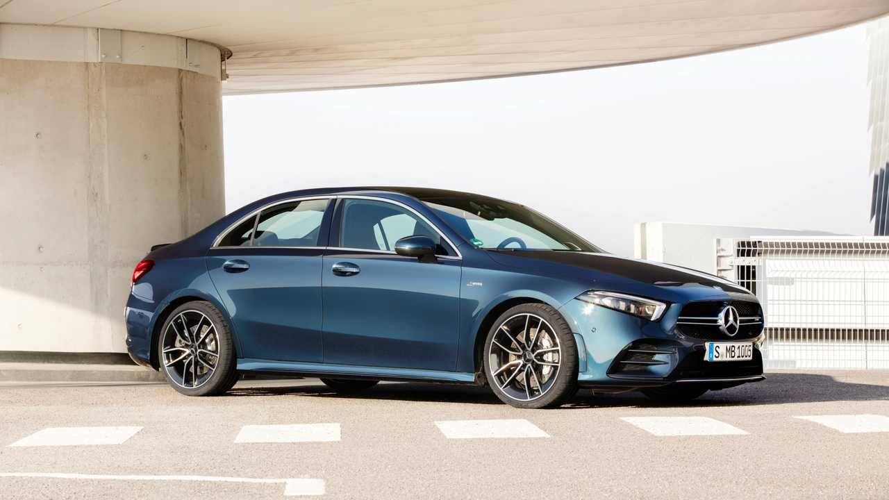 2020 mercedes amg a35 sedan debuts sets it sights on america. Black Bedroom Furniture Sets. Home Design Ideas