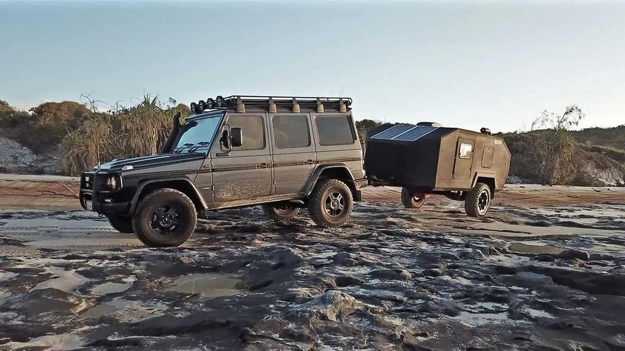Bruder EXP-4 camping trailer
