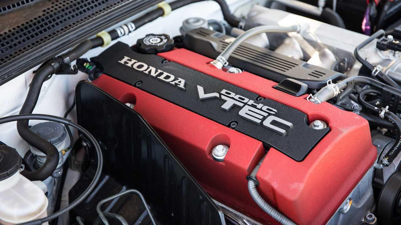 Honda S2000 20 Years Of Insane Vtec Fun Motorious