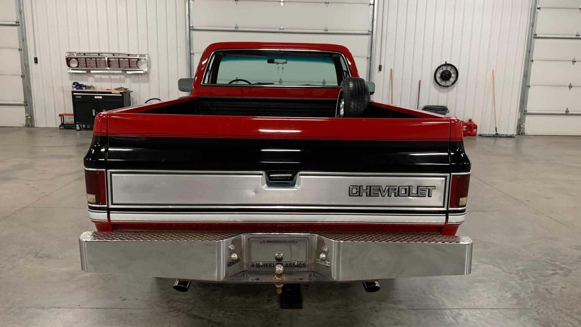 1983 Chevy Silverado >> 1983 Chevrolet C10 Square-Body Is A Southern Belle | Motorious