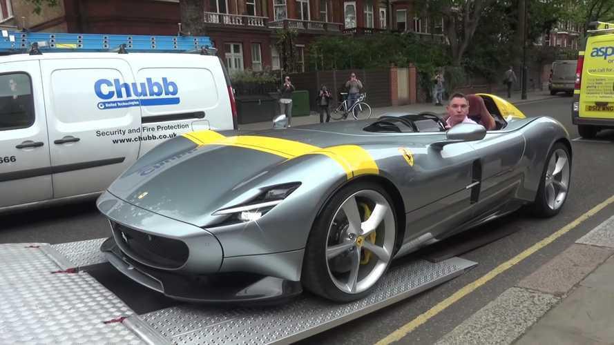 Videó: Így érkezett meg Londonba a közel félmilliárd forintos Ferrari Monza SP1