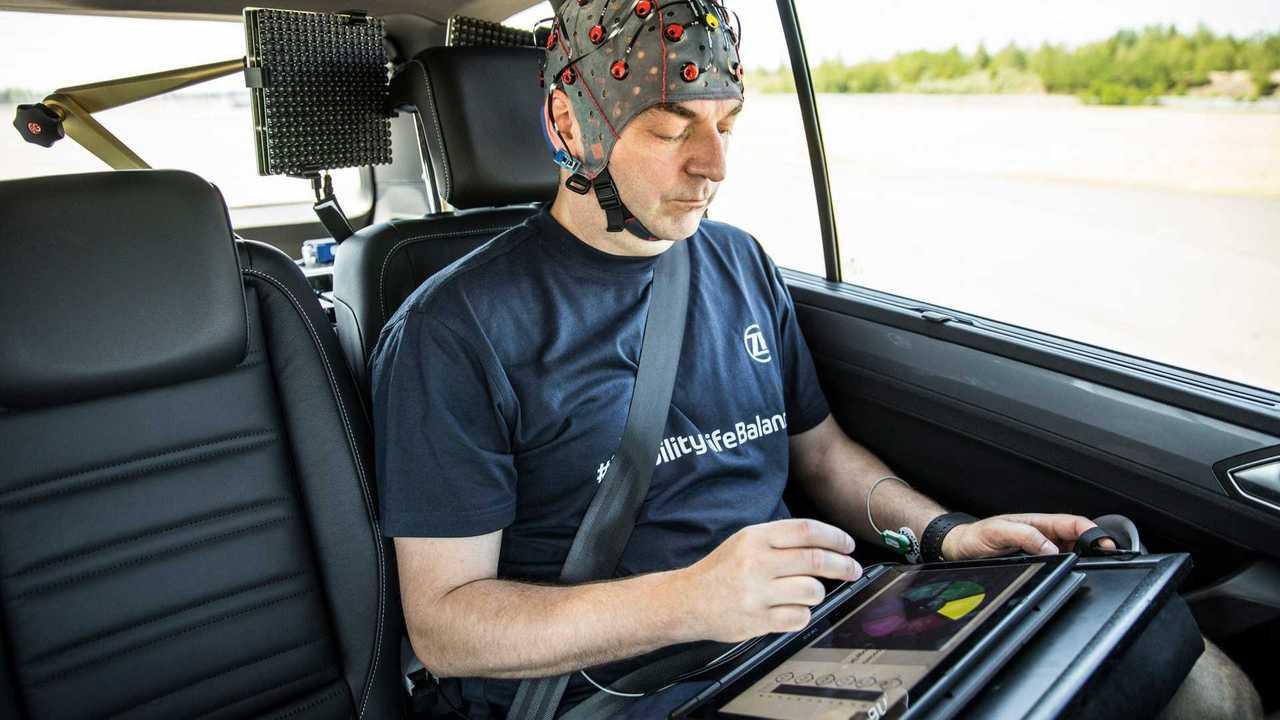 ZF will Reisekrankheit mit Künstlicher Intelligenz bekämpfen