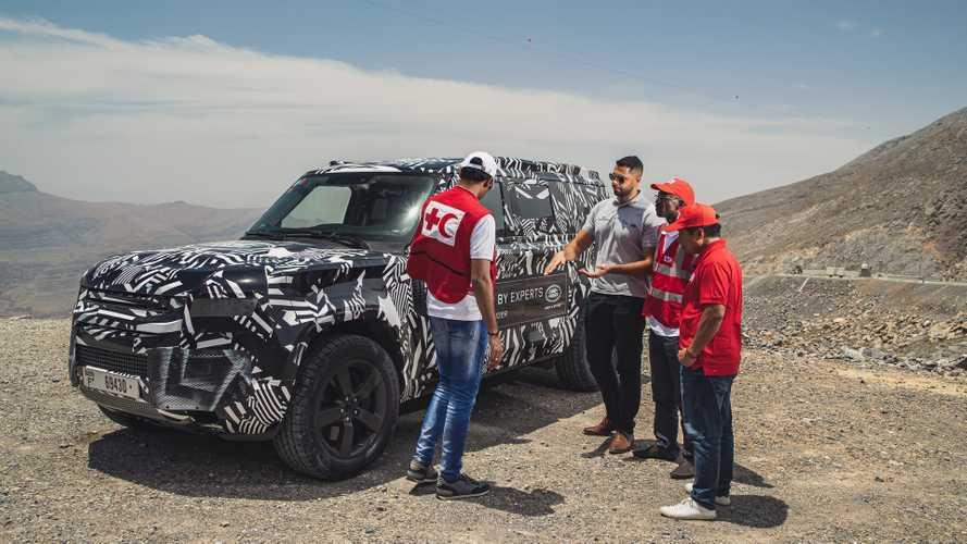 Land Rover Defender, l'ultima parola alla Croce Rossa