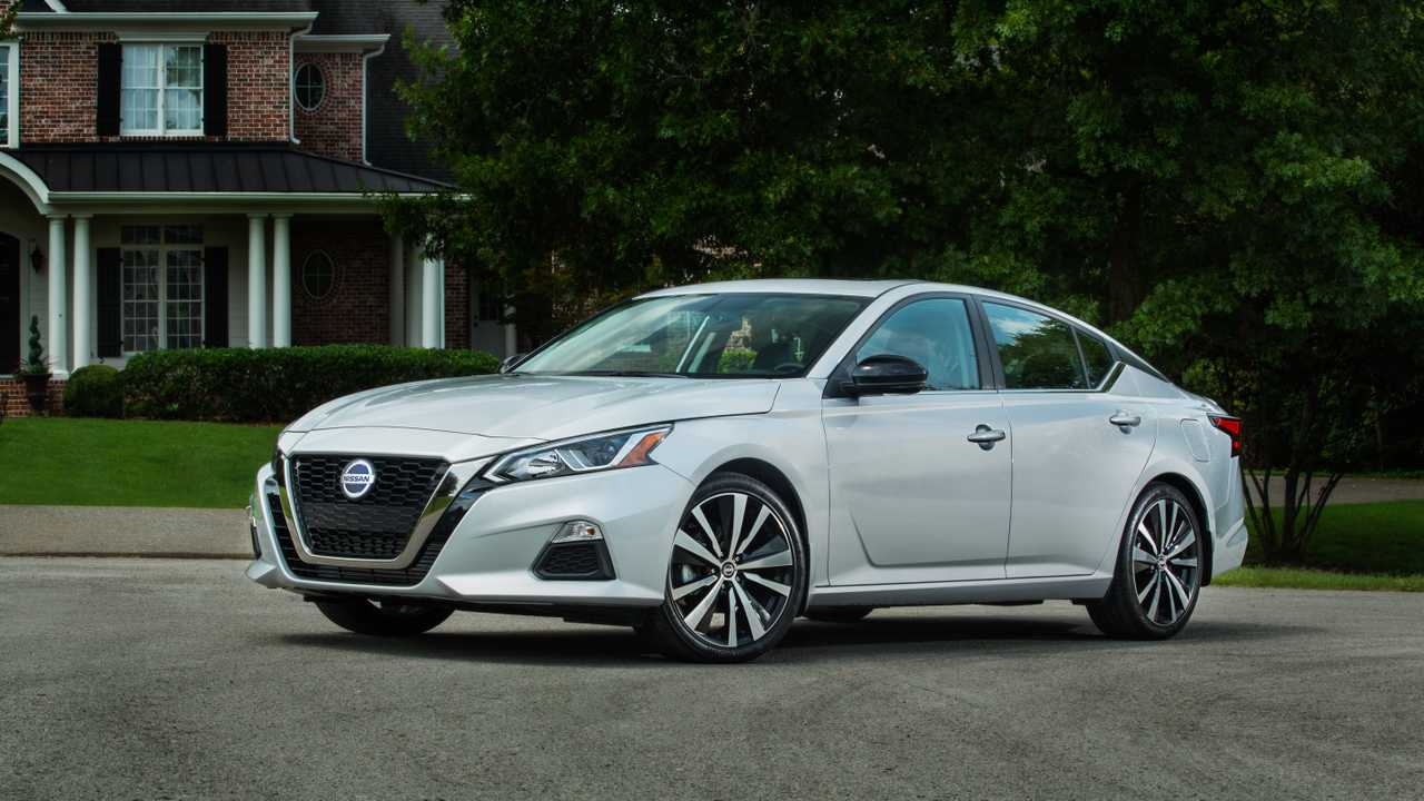 18. Nissan Altima: 108,777 Units