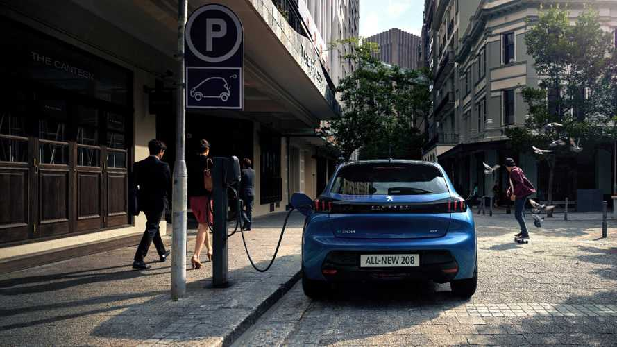 UK: 40% Of Parents Want Their Children To Learn To Drive In An EV