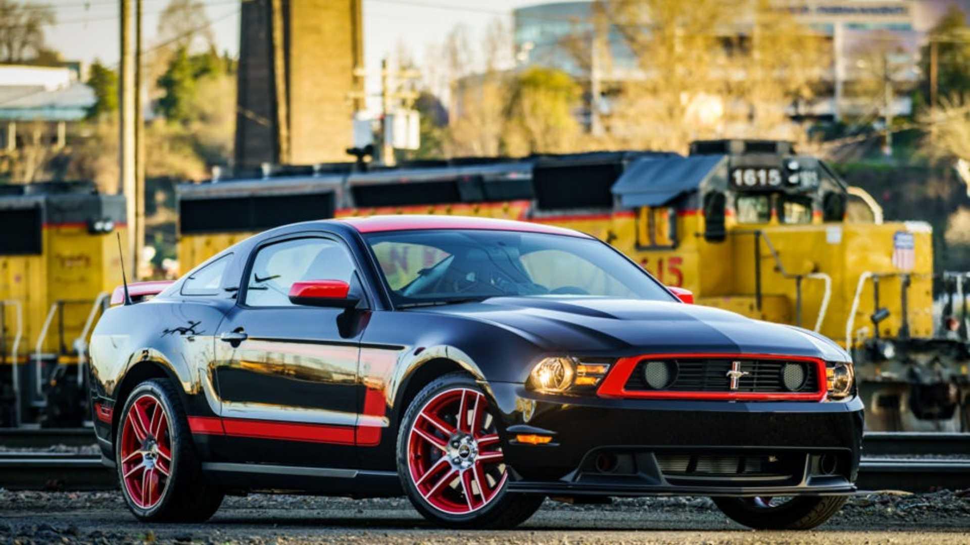 "[""2012 Ford Mustang Boss 302 Laguna Seca""]"