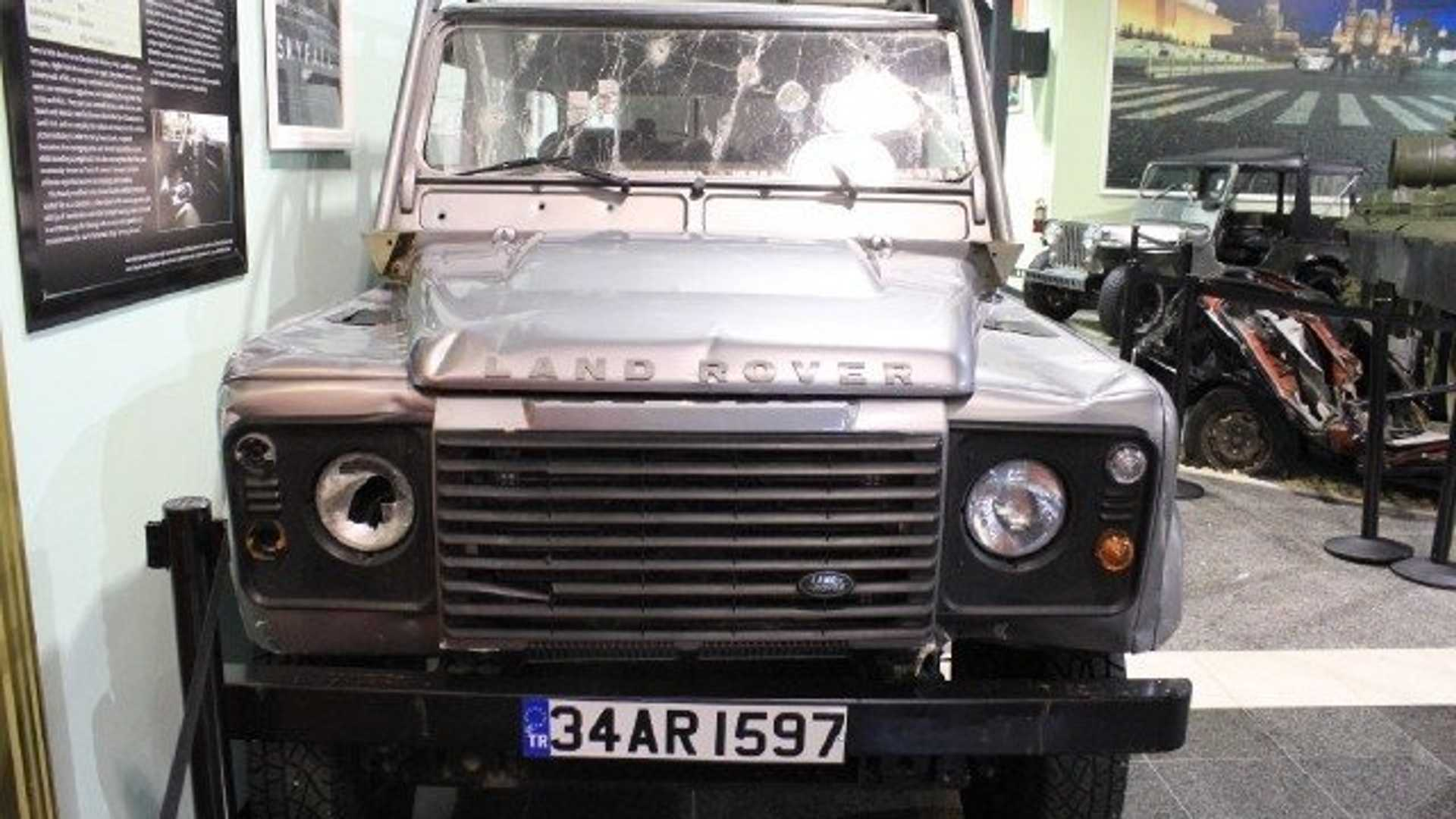 "[""2012 Land Rover Defender Skyfall""]"