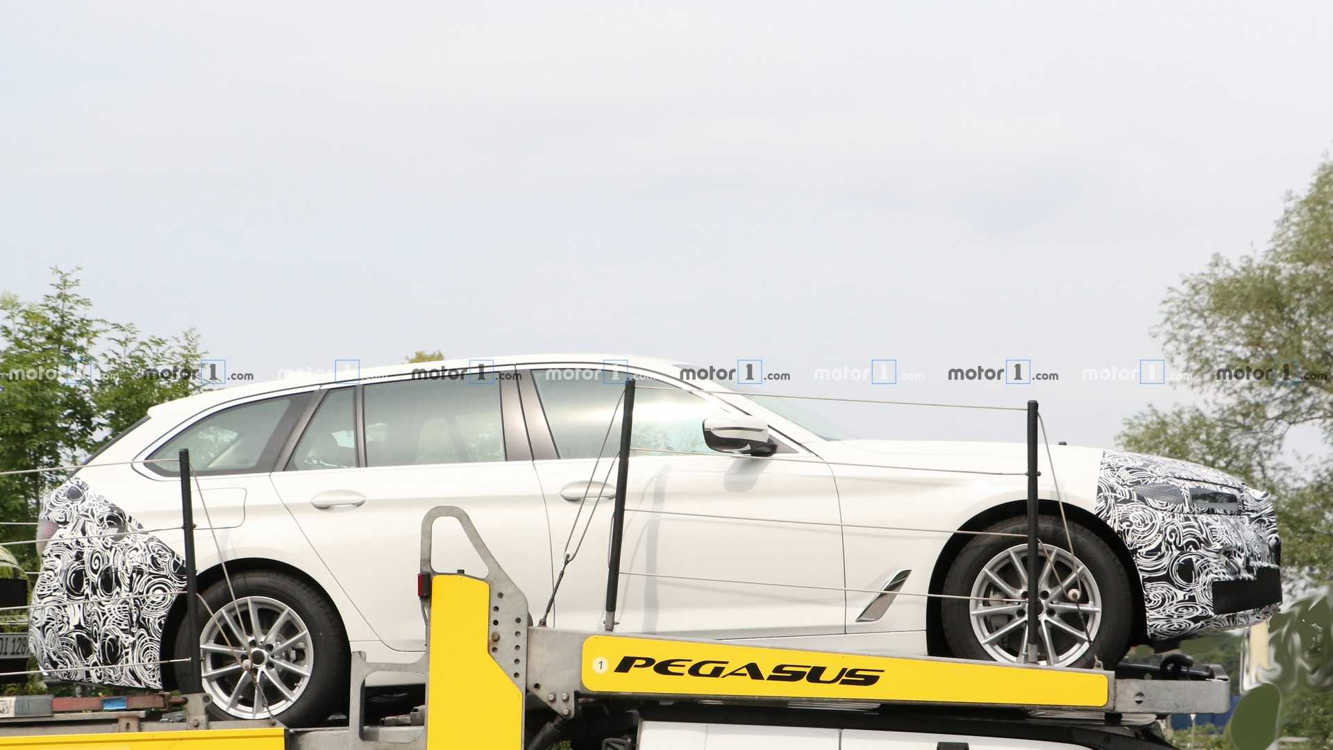 BMW Serie 5 (G30) LCI (2020) 46