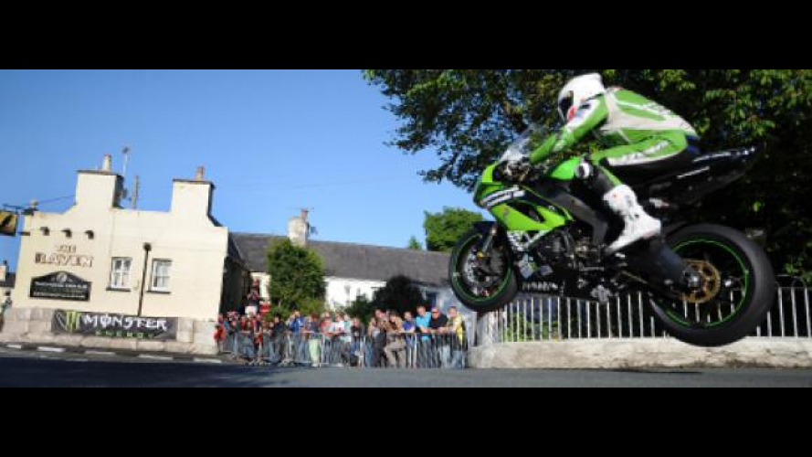 Tourist Trophy 2012: James Hillier con Bournemouth Pr1mo Kawasaki