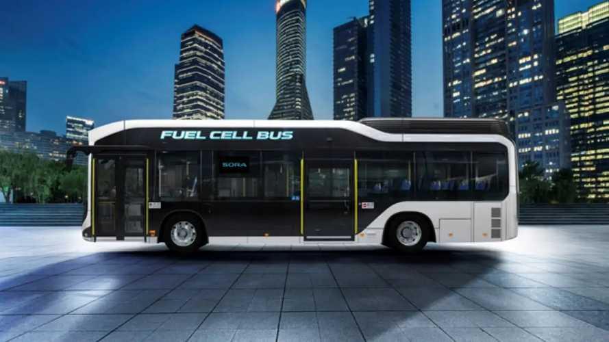 Toyota lancia Sora il primo Bus a idrogeno del Giappone